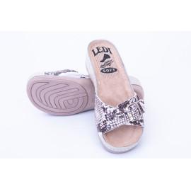 Női bőr papucs bézs kígyó mintás csatos 407/P1